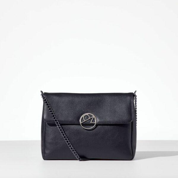 Black Leather Bag δερμάτινη γυναικεία τσάντα με καπάκι από real δέρμα